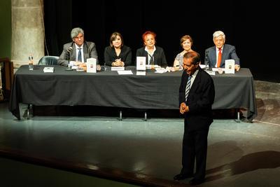 El Teatro Victoria recibió a decenas de duranguenses que fueron testigos de la presentación del libro 'Ricardo Castro. Genio de México'.