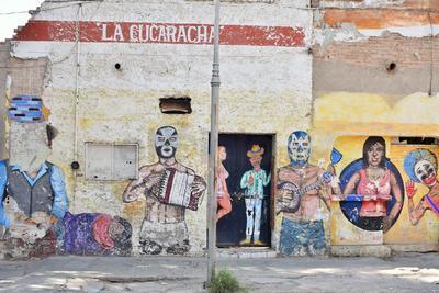 Al mismo tiempo, aquí se construyeron las bases de la ciudad de Torreón, donde las tradiciones quedaron retratadas en las paredes. (ERNESTO RAMÍREZ)