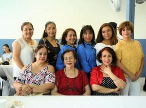 20052019 POSAN PARA LA FOTO.  Asistentes al aniversario de la Iglesia Presencia de Dios.