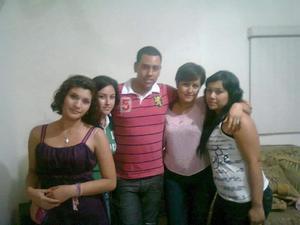 20052019 EN CONVIVENCIA.  Valeria, Daniela, Haydée y Emiliano.