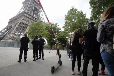Es el monumento más emblemático de París, aproximadamente es visitada cada año por unos seis millones de personas.
