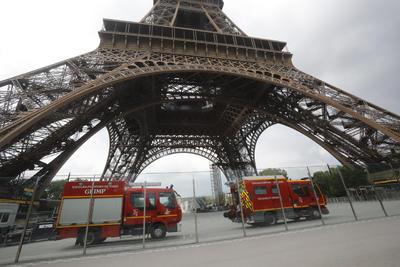 Policías y bomberos acudieron al lugar.