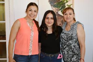 21052019 Angélica, Rocío y Carmen.