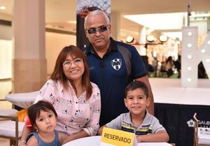 21052019 Evan Ramírez, Gonzalo Ramírez y Claudia García.