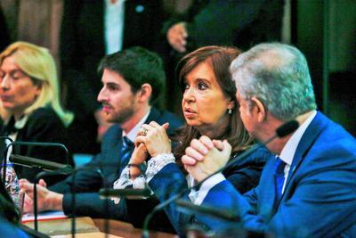 Fernández acudió al inicio de este primer juicio junto con su abogado, Carlos Beraldi.