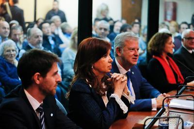 Comenzó el juicio por corrupción contra la expresidenta argentina Cristina Fernández de Kirchner.