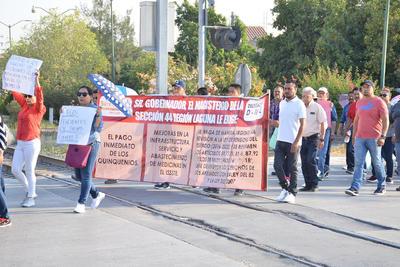 Protestan maestros de Gómez Palacio en la Subsecretaría de Gobierno