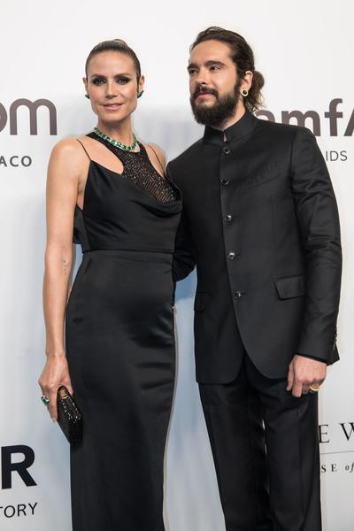 La modelo alemana Heidi Klum  posa junto a su prometido Tom Kaulitz.