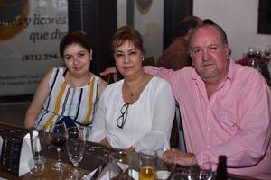 Eduardo, Gina y Gina