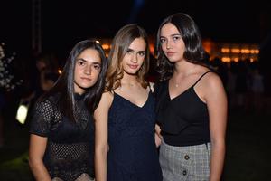 Maika, Priscilla y Ana Paula