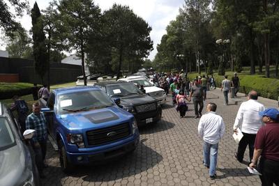De los 17 automóviles que no fueron vendidos, 15 pertenecían al EMP y esta es la segunda ocasión que los compradores no muestran interés en ellos.