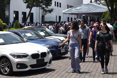 Las extravagancias. Los vehículos más caros y cuya venta causó revuelo entre los asistentes fueron una camioneta Ford Shelby F 150 modelo 2016 y un Lamborghini Murciélago. Ambos recaudaron 3 millones 675 mil pesos.