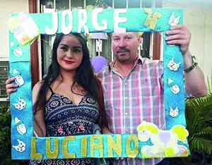 26052019 SERáN PAPáS.  Alondra Jazmín Romero Mata y Juan Carlos Hidalgo Mondragón en espera de su bebé, Jorge Luciano.