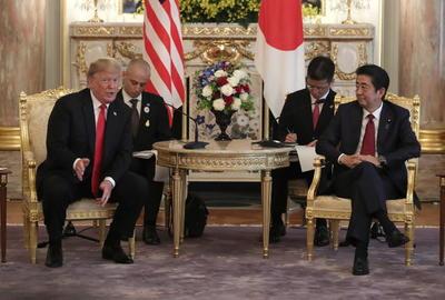 Se reunió con el primer ministro, Shinzo Abe.
