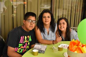 29052019 EN FIESTA DE CUMPLEAñOS.  En familia.