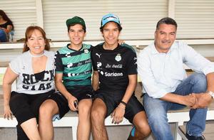 29052019 Mayra, Sebastián, Tadeo y Ricardo.