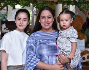 29052019 FIESTA DE CANASTILLA.  Sofía, Paulina y Marisofi.
