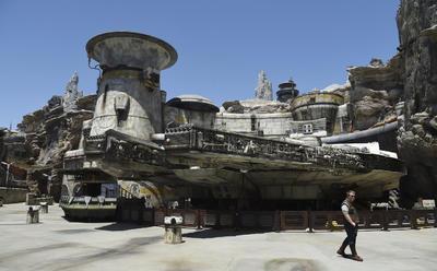 Galaxy's Edge ofrece un nuevo mundo en Disneyland