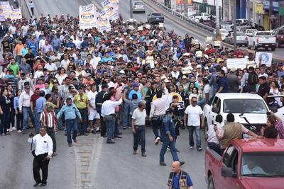 Señaló que los problemas legales de Altos Hornos de México (AHMSA) y la detención en España de su presidente, Alonso Ancira Elizondo, tienen ahora en la incertidumbre a los 260 mil habitantes de Monclova, así como a los del resto de la región carbonífera.