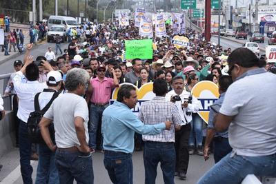 Advierten que de detenerse la actividad en AHMSA, de forma directa e indirecta, afectará desde el vendedor de jugos de la plaza, hasta el comercio y los diversos sectores productivos en esta zona centro de Coahuila.