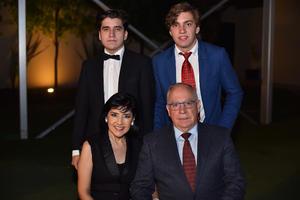 Pedro, Gaby, Pablo y Santiago
