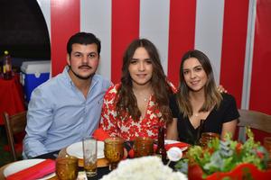 Adolfo, Sofía y Karen
