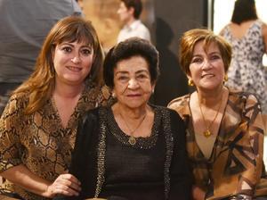 Elizabeth, Aurora y Jazmín