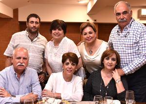 Elsa, Ricardo, Ana Rosa, Agustín, Coco, Sofía y Ale