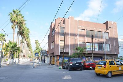 En el Paseo Morelos, hay empresarios que son dueños de más de un local comercial y cobran rentas altas.