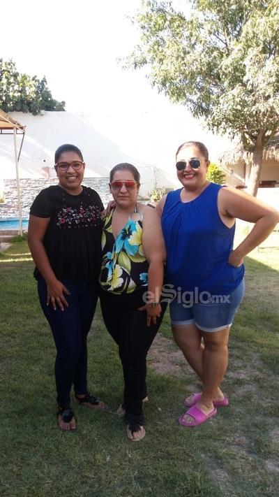 Liliana, Claudia y Alejandra.