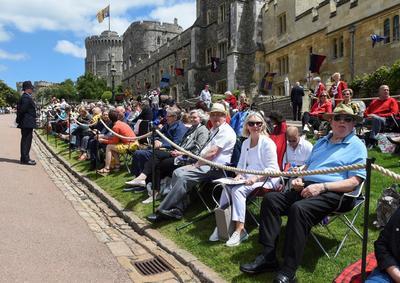 Cientos de personas se dieron cita para presenciar el acto.