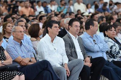 El exalcalde de Torreón, José Ángel Pérez, también estuvo presente.