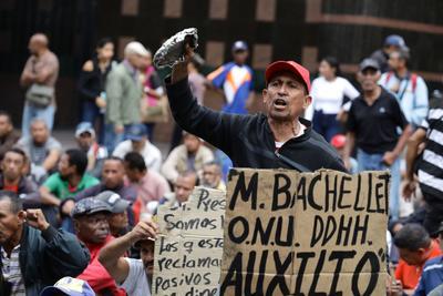 La crisis en Venezuela sigue sacando a sus habitantes a las calles.