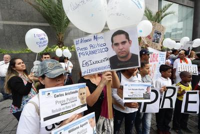Exigen la liberación de los que consideran presos políticos.