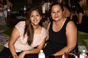 Raquel Mena y Linda Almanza