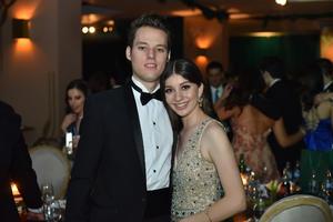 Gabriel y Nayla