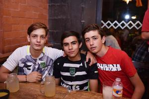 Luis, Fernando y Santiago