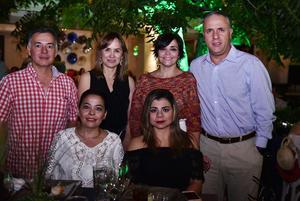 Marcela, Píldora, Víctor, Gaby, Pily y Jorge