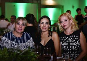 Tere, Clara y Fabiola