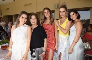 Victoria, Ángeles, Viviana, Verónica y Verito