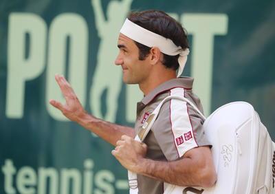 Por primera vez en su carrera, Federer, de 37 años, logró ganar un torneo por décima vez.