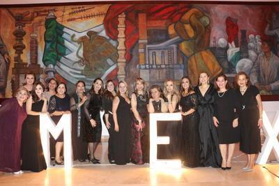 AMEXME realiza cena de gala