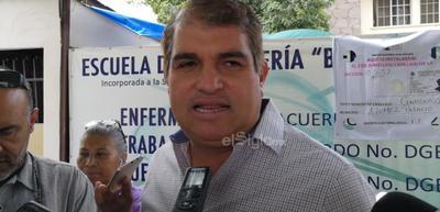 El exalcalde de Gómez Palacio, José Campillo, acudió a las urnas a emitir su sufragio.