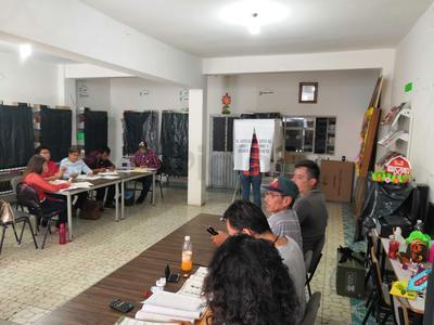 Entre los candidatos a presidentes municipales, síndicos y regidores, en todo el estado se registró un total de dos mil 211 contendientes.