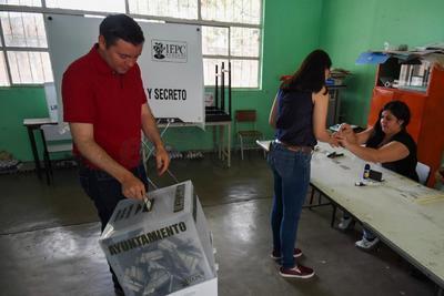 """Más de cuatro mil 350 establecimientos comerciales ofrecerán descuentos y promociones en 22 municipios y dentro de la campaña """"Mi voto vale""""."""