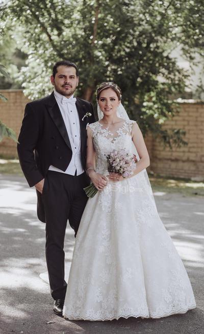 Alberto Issa Lara y Sofía Ramírez Anduaga se casaron el 11 de mayo del presente año. Sus padres son: Margarita Anduaga Lee, José Ramírez Ortega; Patricia Lara Porras y Guillermo Issa Haces.