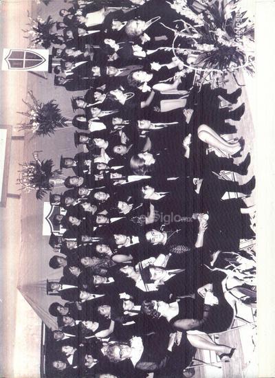 Ceremonia de graduación de la XI Generación del Instituto Francés de La Laguna celebrada en el patio de honor del colegio hace 50 años.