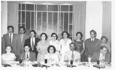 Grupo de maestros de la Preparatoria Federal Nocturna en los sesenta. La mayoría también fueron maestros de la Preparatoria Venustiano Carranza.