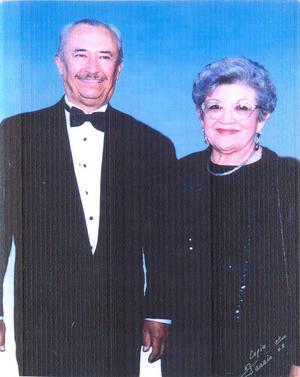 02062019 RECUERDO DE 1985.  Eliseo González y María Elena Chairez de González.