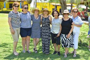 04062019 ENTRE AMIGAS.  Algunas de las asistentes a la fiesta de cumpleaños de Lety Albores.